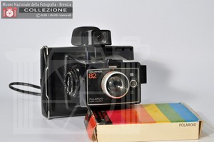 P. COLORPACK 82 (Land Camera)