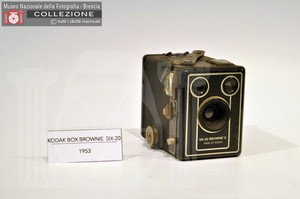 BOX BROWNIE D SIX-20