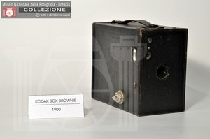 BOX BROWNIE N.2A MODEL C (7x11)