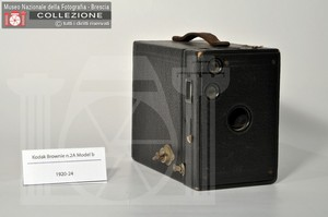 BOX BROWNIE N.2A MODEL B