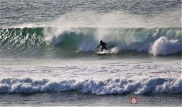 BertellaFrancesco-surfing